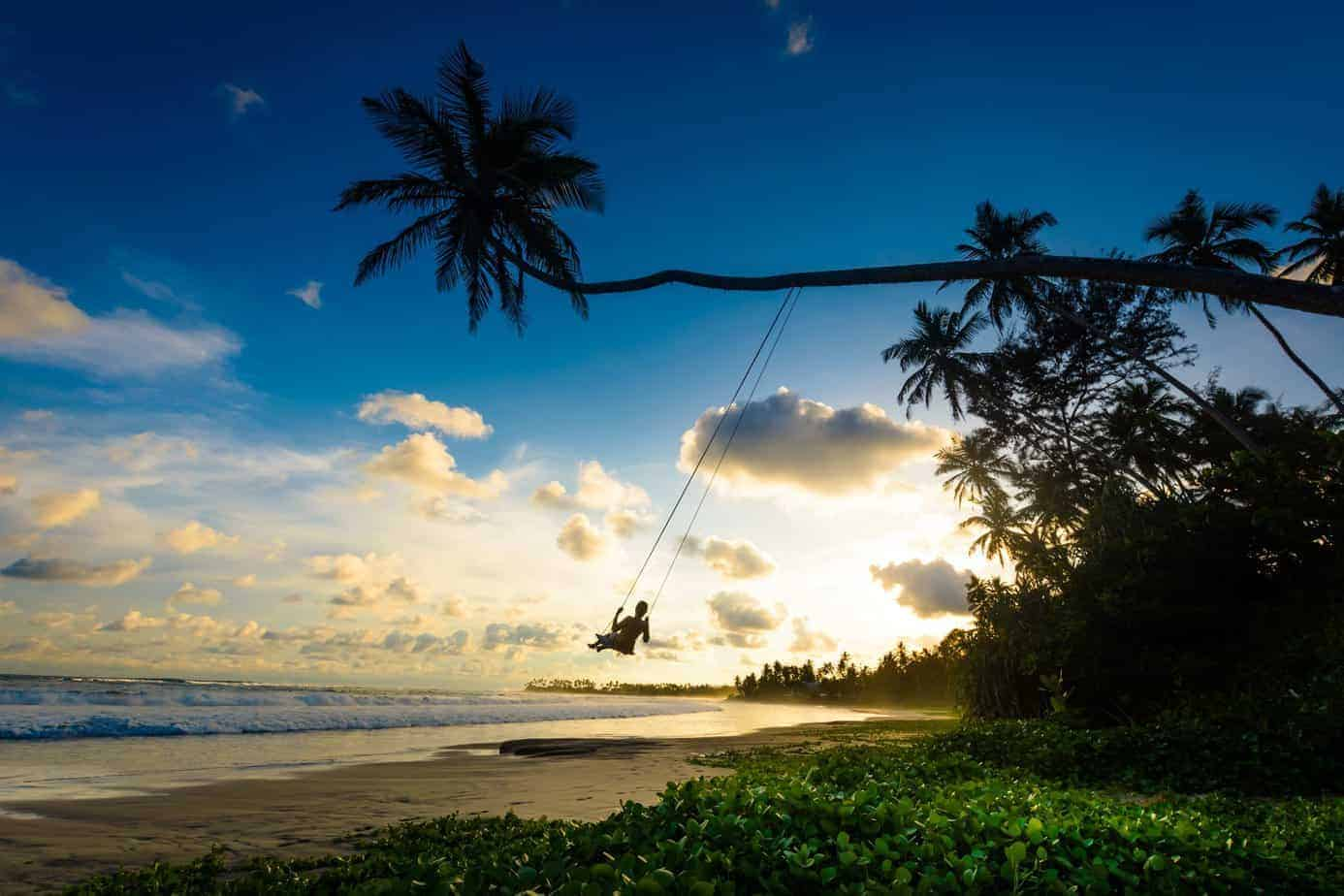 sri-lanka-family-surfing-holidays